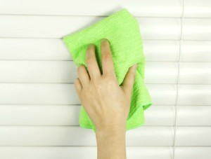 cleaning blinds 300x227